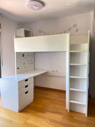 Cama alta c/escritorio, estantería y armario