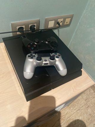 Consola PS4 Fat+ 1 Mando+ 3 juegos