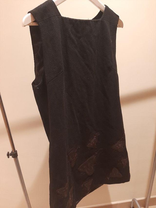 vestido negro de pana