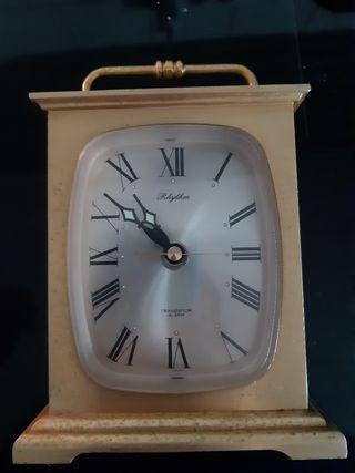 reloj RHYTHM francia