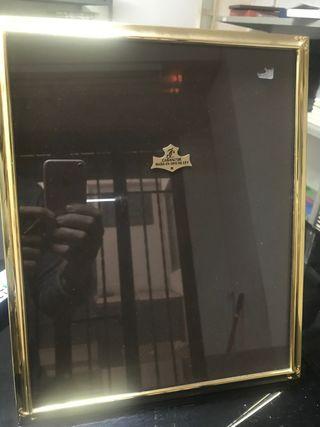 Portaretratos baño oro 33x27