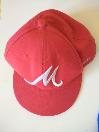 visera gorra roja Madrid. 0'50€