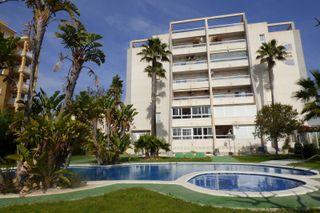 Apartamento con vista despejada sobre la piscina
