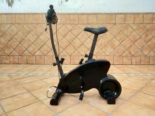 bicicleta y DVD de juego para la wii