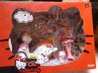 Hello kitty muñeca con moto