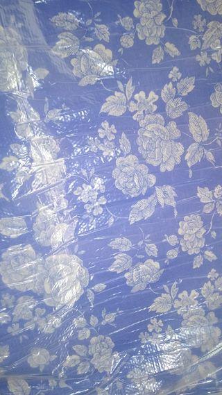 colchón más somier de láminas con patas