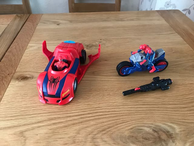 Spider Man car and motorbike launching+figures