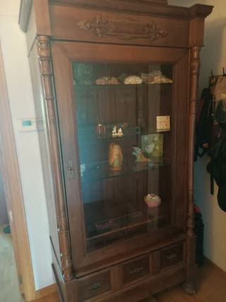 Mueble vitrina antiguo