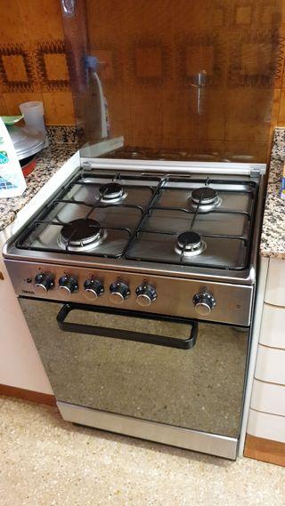 Cocina gas + horno eléctrico Zanussi
