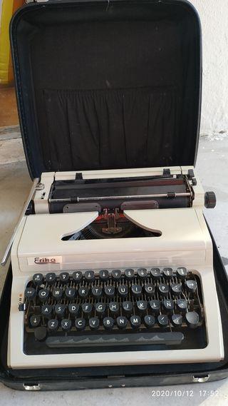 Máquina de escribir Erika