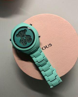 Reloj digital turquesa