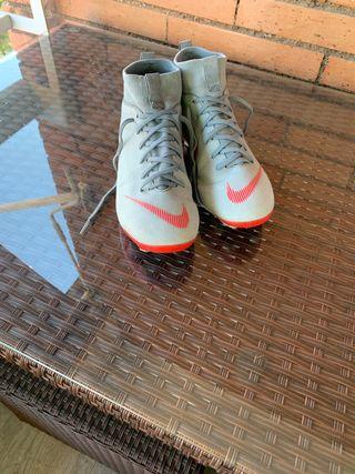 Botas Nike fútbol niño niña