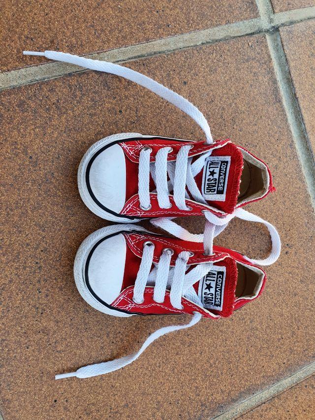 Grabar Inmunizar Instrumento  Zapatillas Converse All Star rojas talla 21 de segunda mano por 12 € en  Madrid en WALLAPOP