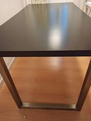 Mesa comedor o escritorio, color marrón oscuro