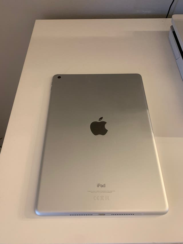 Silver iPad 7th generation 10.2inches 32GB