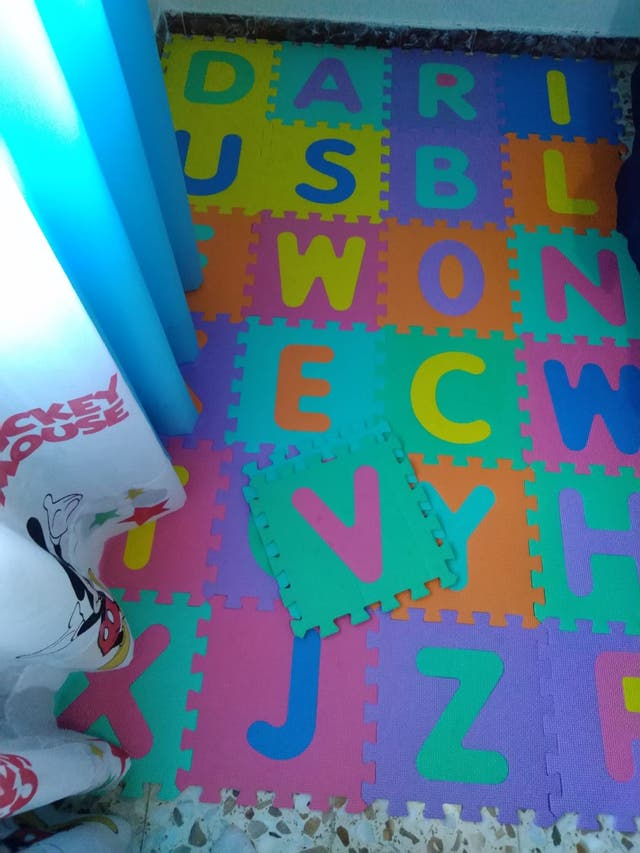 Alfombra puzzle bebé