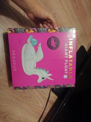 flotador de cisne o unicornio