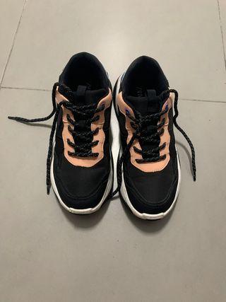 Zapatillas de Zara sin uso talla 37
