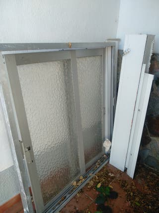 ventana de aluminio con persiana incluida