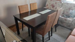mesa salon extensible con 4 sillas