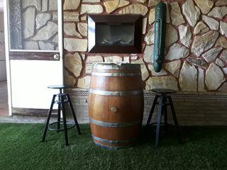 conjunto de barril y banquetas