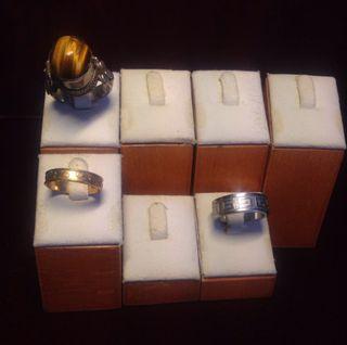 Expositores para anillo de madera