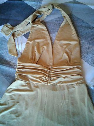 vestido con etiqueta bershka
