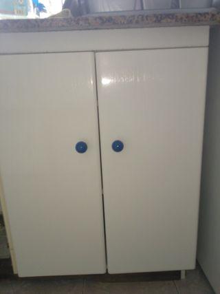 10 puertas armarios cocina y 3 frentes cajón