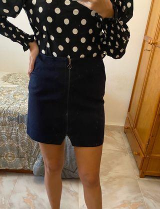 Falda azul de Stradivarius