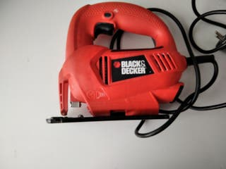 Sierra calar con cable BLACK DECKER 400 w