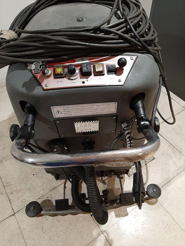 fregadora automática con tracción