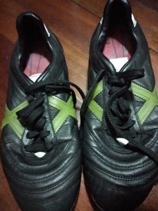 botas fútbol césped artificial