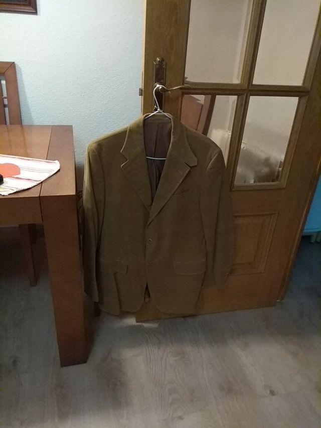 chaqueta americana de pana marca Pedro del Hierro