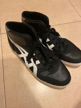 Zapatillas asics negras 45