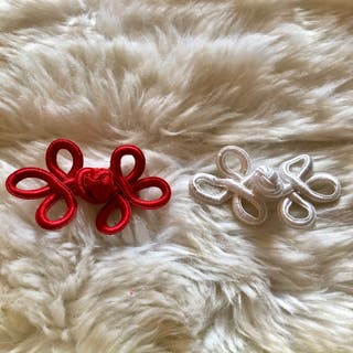 Pair of Red & White Chinese Knot Closure