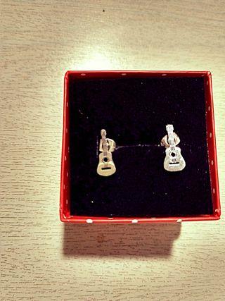 Pendientes guitarra flamenca en Acero Quirurgico