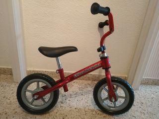Bicicleta de equilibrio sin pedales Chicco y caja