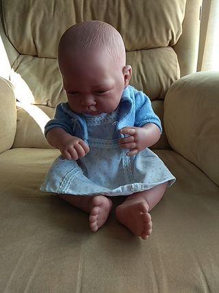 Bebé recién nacido marca Antonio Juan
