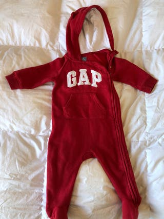 Pack peto buzo Gap baby y pantalones