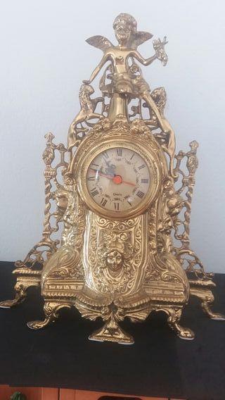 Antiguo reloj chimenea