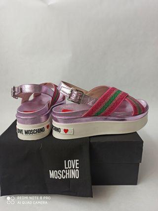sandalia love moschino