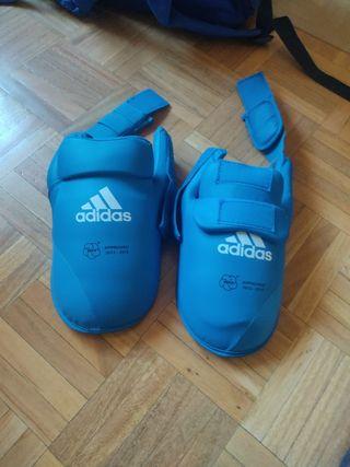 Adidas Protector de pies de artes marciales