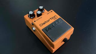 BOSS DS-1 pedal distorsión guitarra