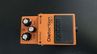 BOSS DS-1 pedal distorsión guitarra