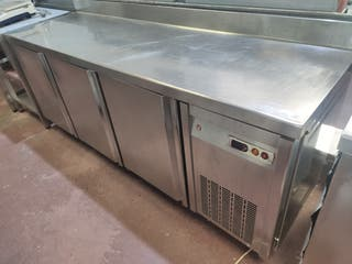 mesa fría 3 puertas