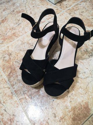 Sandalias negras de esparto