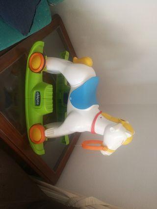 caballo de juguete chicco