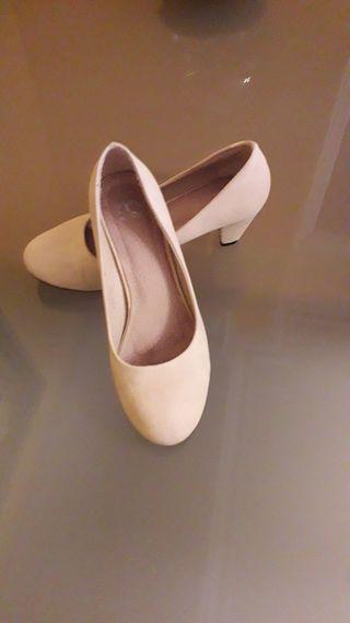 zapatos señora beig tacón num.38