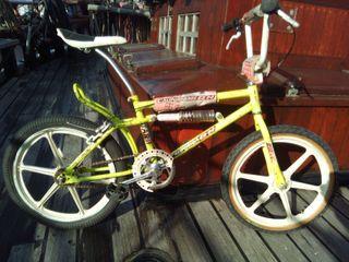 bicicleta BMX California Star