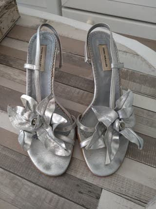 Zapatos plateados flor fiesta